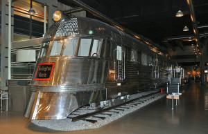 железнодорожный вагон целиком из нержавеющей стали