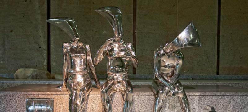 Нержавейка в оригинальных скульптурах
