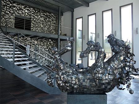 Использование нержавеющей стали для скульптур и искусства