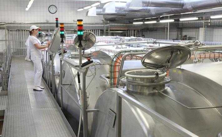 оборудование из нержавеющей стали в молочной промышленности